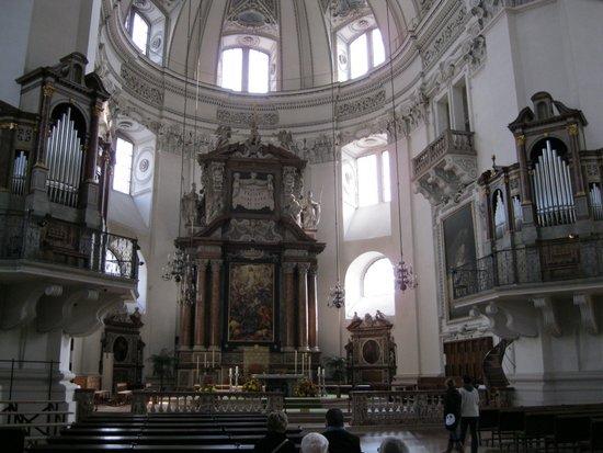 Salzburg_Dom_binnenkant,_