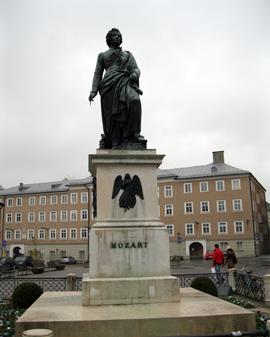 Salzburg_Mozart-standbeeld