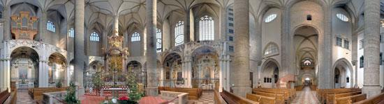 Salzburg_monumenten-Franciskanerkirche-binnen-2.jpg