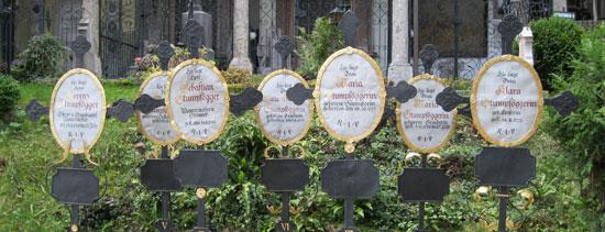 Salzburg_monumenten-St.Petersfriedhof-(5).jpg