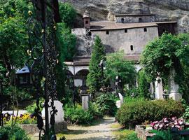 Salzburg_tuin-sankt-peters-friedhof1.jpg