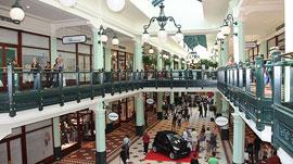 Salzburg_winkelcentrum-mcarthurglen-outlet-shopping-2.jpg